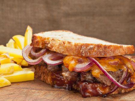 Steak-Sandwich mit Barbeque-Sauce