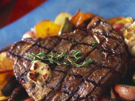 Steak vom Grill mit Gemüse