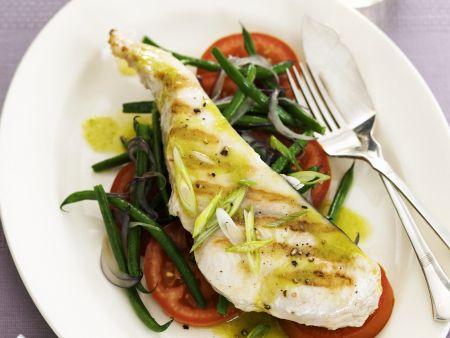 Steak vom Schwertfisch mit Grüne Bohnen-Tomaten-Salat