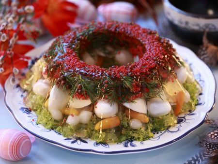 Sülze mit Wachteleiern und Gemüse