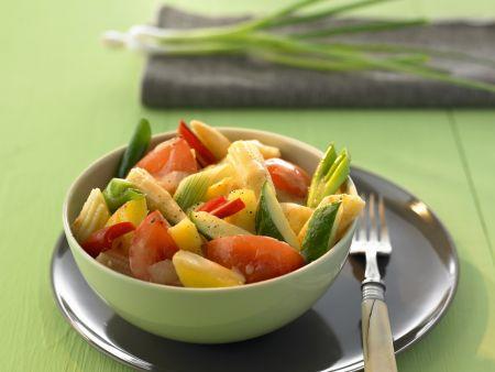 Süß-saures Curry mit Gemüse und Obst