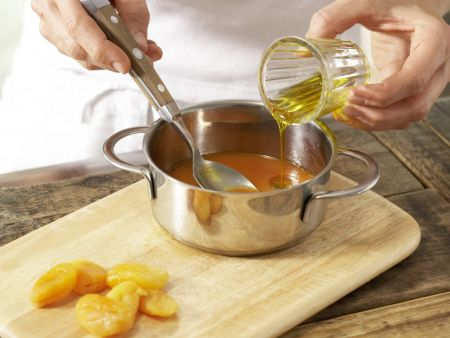 Süße Aprikosenbrötchen: Zubereitungsschritt 1