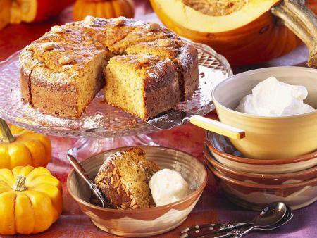Süßer Kürbis-Nuss-Kuchen