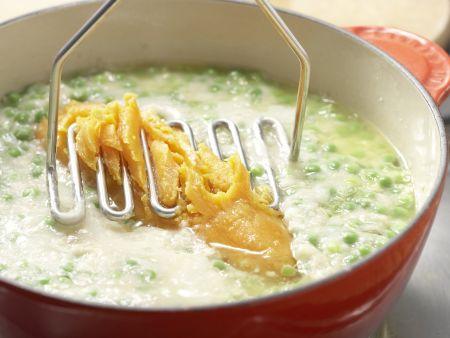 Süßkartoffelbrei mit Erbsen: Zubereitungsschritt 5