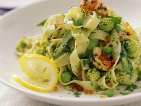 Tagliatelle mit Shrimps und Gemüse