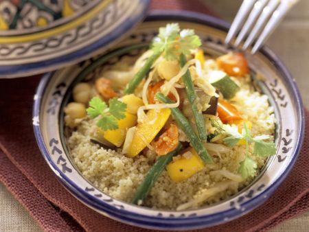 Tajine mit Couscous und Gemüse
