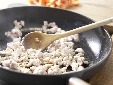 Teigtaschen mit Putenbrust und Paprika: Zubereitungsschritt 6