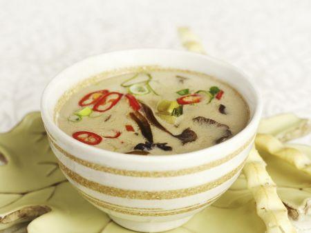 Thailändische Kokos-Pfifferlingssuppe