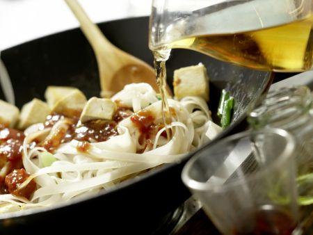 Thailändische Reisnudelpfanne: Zubereitungsschritt 12
