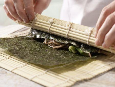 Thunfisch-Maki-Rollen: Zubereitungsschritt 7