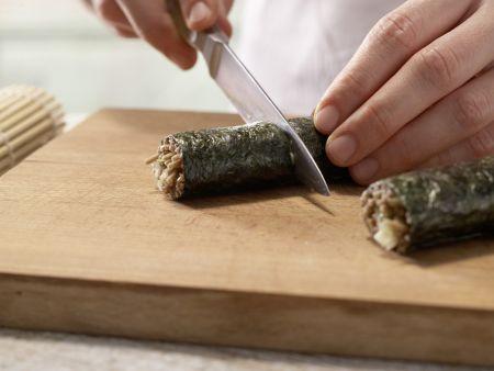 Thunfisch-Maki-Rollen: Zubereitungsschritt 8