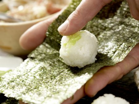 Thunfisch-Tatar in Sushi-Tüten: Zubereitungsschritt 10