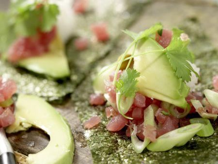 Thunfisch-Tatar in Sushi-Tüten: Zubereitungsschritt 11