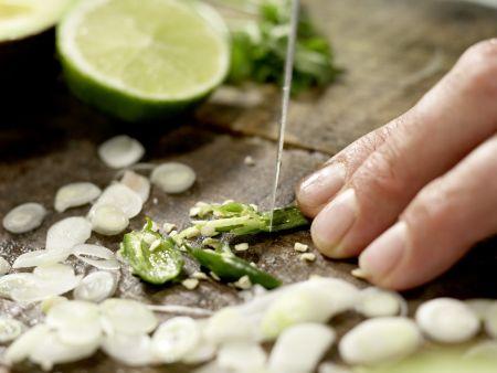 Thunfisch-Tatar in Sushi-Tüten: Zubereitungsschritt 4