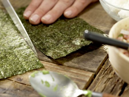 Thunfisch-Tatar in Sushi-Tüten: Zubereitungsschritt 8