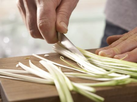 Thunfisch-Zucchini-Röllchen: Zubereitungsschritt 1
