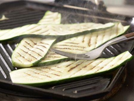 Thunfisch-Zucchini-Röllchen: Zubereitungsschritt 4