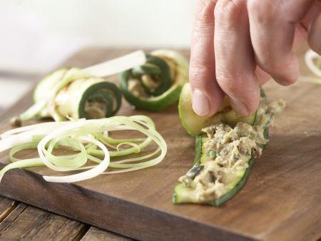 Thunfisch-Zucchini-Röllchen: Zubereitungsschritt 7