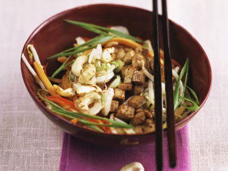 Tofu-Gemüse-Pfanne mit Cashewkernen