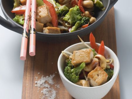 Tofu mit Brokkoli aus dem Wok