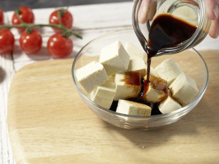 Tofu-Paprika-Spieße: Zubereitungsschritt 2