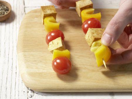 Tofu-Paprika-Spieße: Zubereitungsschritt 5