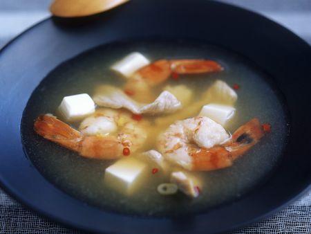 Tofusuppe mit Garnelen und Fleisch