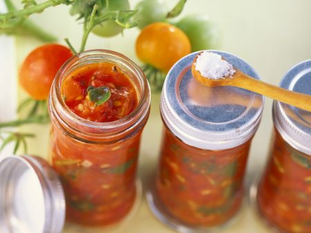 Tomaten-Kräuter-Sauce