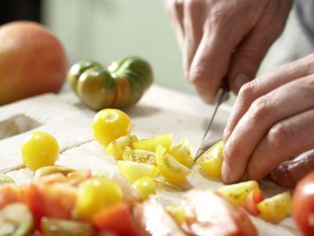 Tomaten-Mango-Salat: Zubereitungsschritt 2