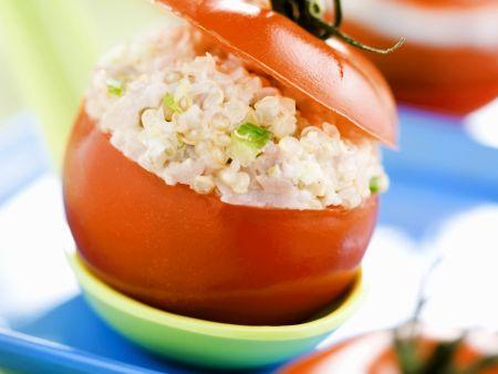 Tomaten mit Quinoa-Salat