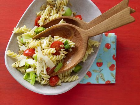 Tomaten-Pasta mit Lauch