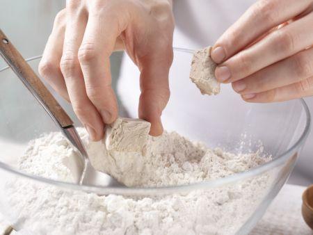 Tomaten-Sardellen-Pizza: Zubereitungsschritt 1