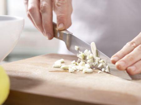 Tomaten-Sardellen-Pizza: Zubereitungsschritt 10