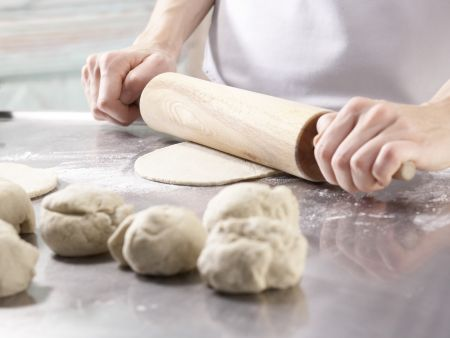 Tomaten-Sardellen-Pizza: Zubereitungsschritt 5