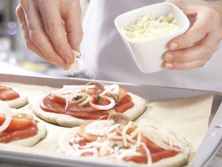 Tomaten-Sardellen-Pizza: Zubereitungsschritt 8