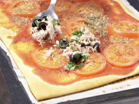 Tomaten-Thunfisch-Pizza: Zubereitungsschritt 7