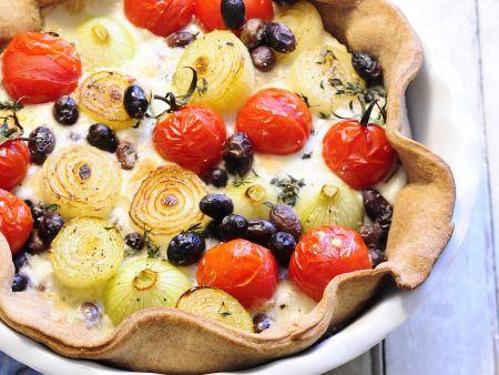 Tomaten-Zwiebel-Quiche mit Oliven
