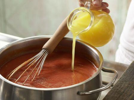Tomatensuppe mit Hackbällchen: Zubereitungsschritt 3