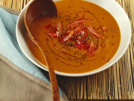 Tomatensuppe mit Fisch auf provenzalische Art