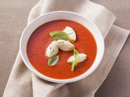 Tomatensuppe mit Ricotta-Nockerln