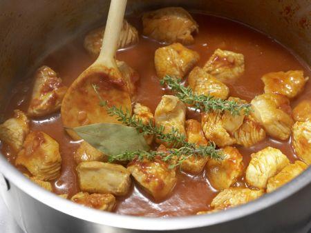 Tortellini mit Putensauce: Zubereitungsschritt 5