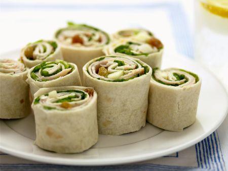 Tortilla-Rouladen mit Spinat, Apfel und Schinken