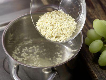 Trauben-Getreide-Brei: Zubereitungsschritt 1