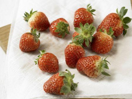 Überbackene Erdbeeren: Zubereitungsschritt 2