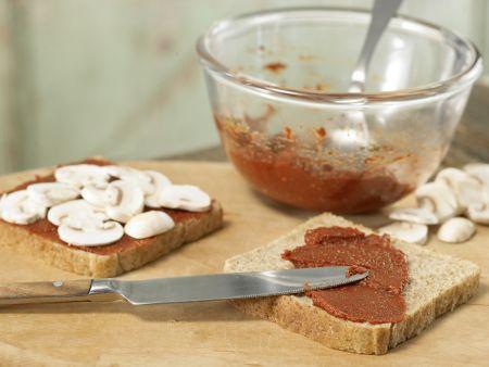Überbackener Pizza-Toast: Zubereitungsschritt 3