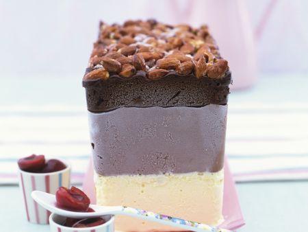 Vanille-Schoko-Parfait mit Mandeln