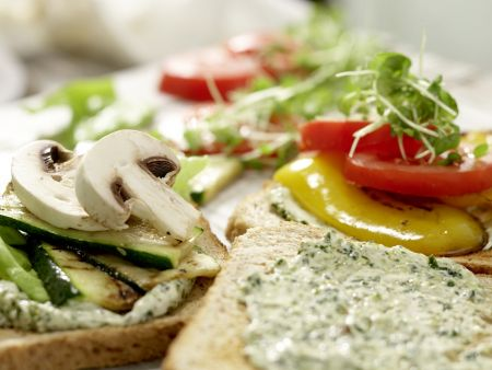 Vegetarische Club-Sandwiches: Zubereitungsschritt 8