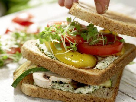 Vegetarische Club-Sandwiches: Zubereitungsschritt 9