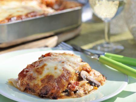 Vegetarische Lasagne mit Pilzen, Auberginen, Paprika und Ricotta