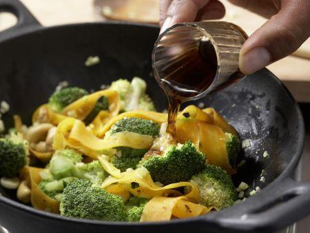 Vegetarische Nudelpfanne: Zubereitungsschritt 6